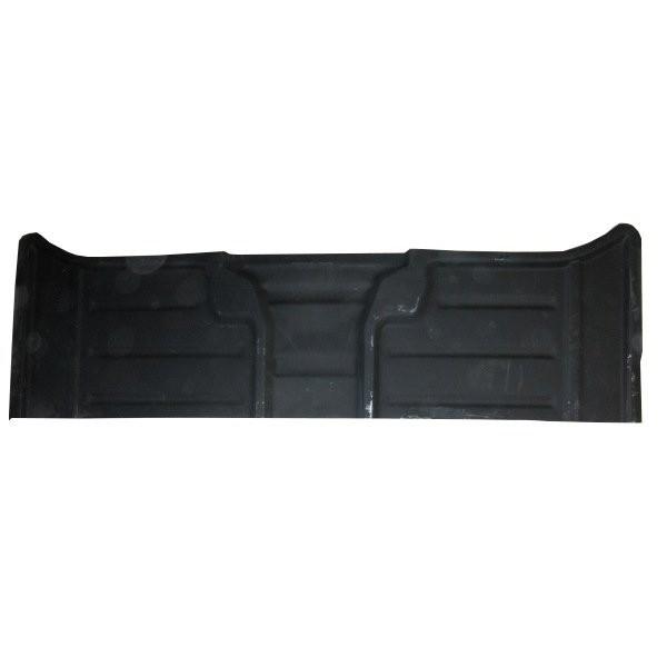 Floor panel rear fitting well